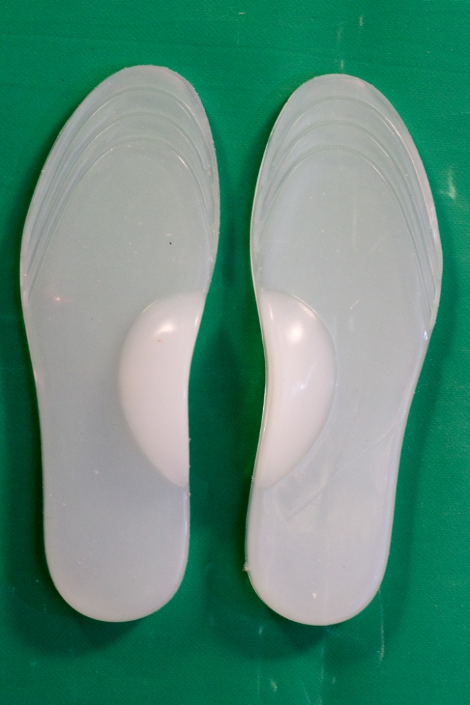 SILICONE INSOLE WITH MEDIAL ARCH